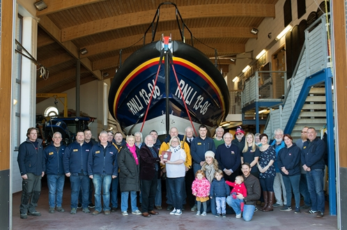 Image forJPMA/Hoylake Sailing School presented with RNLI Recognition of Support Award