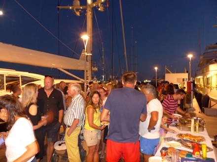 Image forMarina Palma Cuarentena organizes a barbecue with environmental awareness