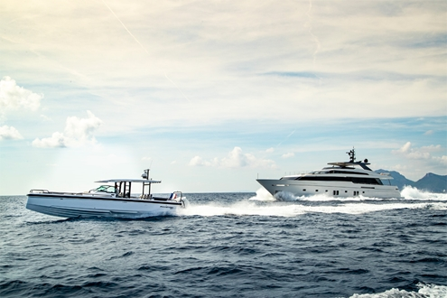 Image forIs the AXOPAR 37 Sun-Top the perfect chase boat?